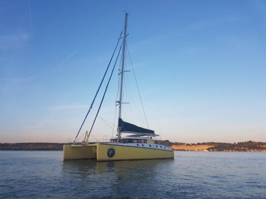 Catamaran Caroff Lazzi 1402 for hire