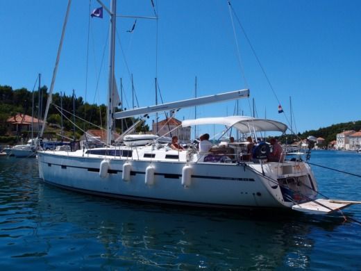Bavaria 56 in Kaštel Gomilica for hire