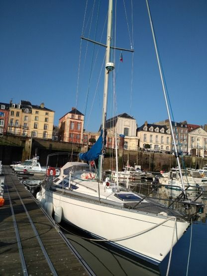 Rental Sailboat Dufour Dufour 39 Dieppe