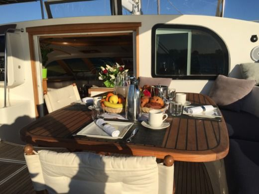 ALLIAURA MARINE PRIVILEGE 585 EASY CRUISE in Ajaccio zwischen Privatpersonen