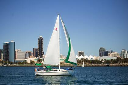 Hire Sailboat Sailboat Catalina 30 San Diego