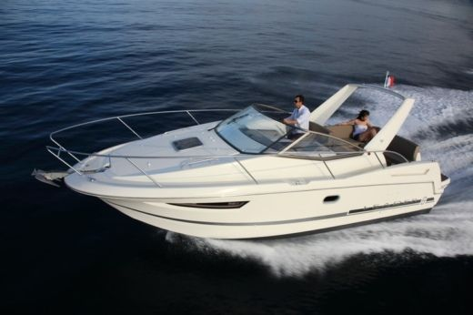 Motorboat Jeanneau Leader 8 for hire