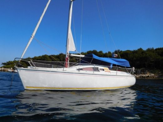 Jeanneau Sun Way 25 in Vallauris for hire