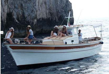 Rental Motorboat Wooden Boat 12M Capri
