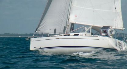 Charter Sailboat Dufour 34 Performance Arradon
