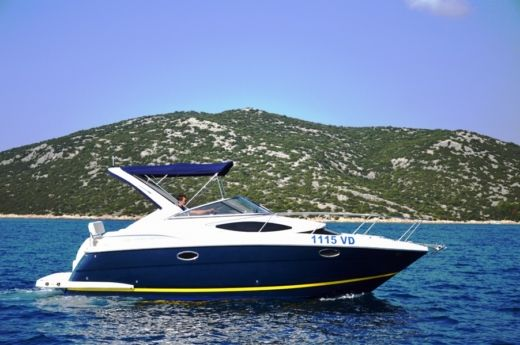 Motorboat Regal Boats Regal 2860 for hire