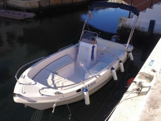 Motorboat Motora Poseidon 510 peer-to-peer