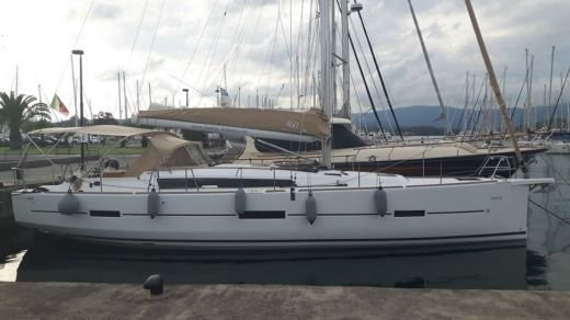 Sailboat Dufour 460 Grande Large for hire