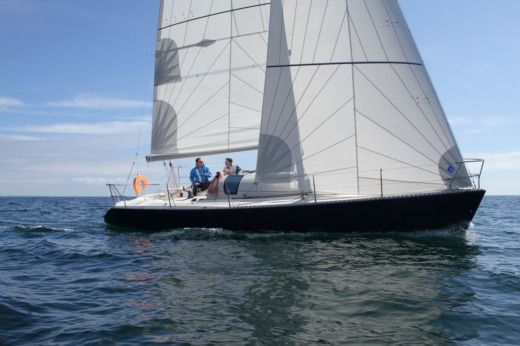 Sailboat Jeanneau One Design 35 for rental