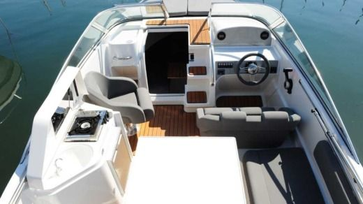 Motorboot Sea Life Pacific Craft zwischen Privatpersonen