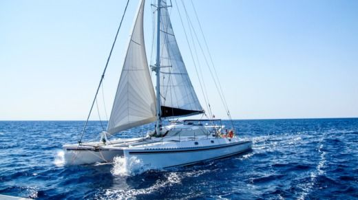 Rental catamaran in El Porvenir