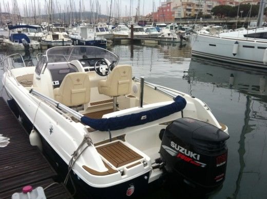 Charter motorboat in Leucate peer-to-peer