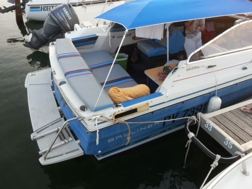 Motorboat Bayliner Cappri Cudi peer-to-peer