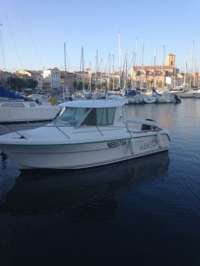 Motorboat Ocqueteau 6.50 for hire