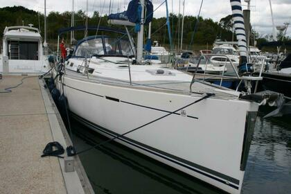 Hire Sailboat Dufour 425 GRAND LARGE Hampshire