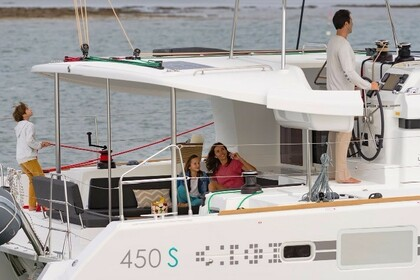 Charter Catamaran Lagoon Lagoon 450 S with watermaker & A/C - PLUS Key West