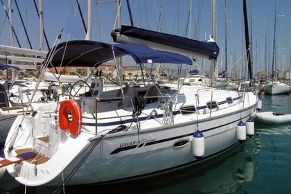 Hire Sailboat Bavaria Bavaria 39 Cruiser Ibiza