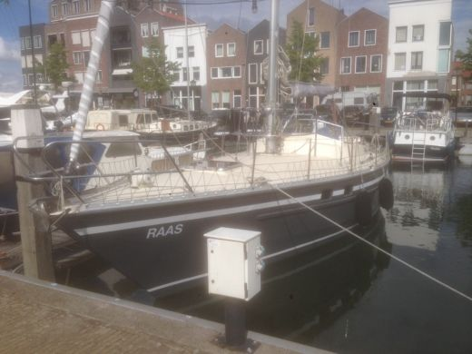 Sailboat Van De Stadt Van De Stadt 36  Seal for hire