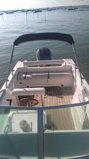 Motorboat Kelt White Shark 236 peer-to-peer