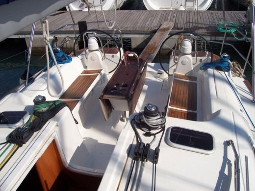 Sailboat Dufour 45 for hire
