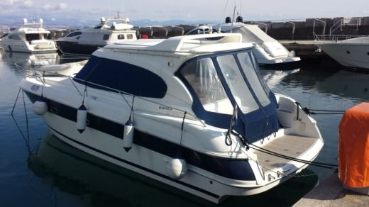 Houseboat BAVARIA Bavaria 37HT for hire