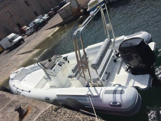 Gommone Grand Semi Rigide 7/50 tra privati