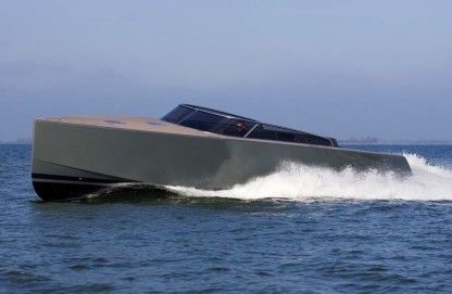 Charter Motorboat Van Dutch 40 Cap-d'Ail