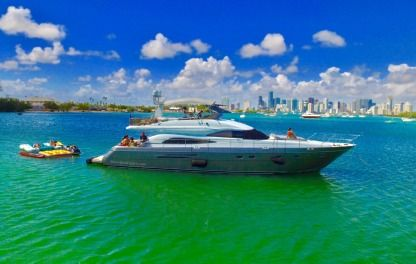 Rental Motorboat Princess 65 Miami Beach