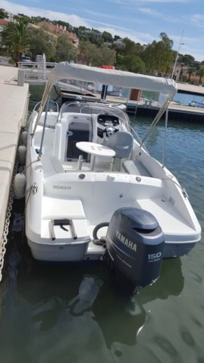 Motorboat Beneteau Flyer 650 Sundeck peer-to-peer