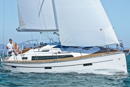 Charter Sailboat BAVARIA CRUISER 37 Lefkada