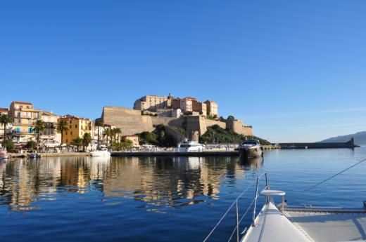 Robertson & Caine LEOPARD in Saint-Florent peer-to-peer