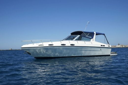 Charter motorboat in Trapani peer-to-peer