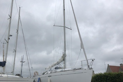 Hire Sailboat Beneteau FIRST 35.7 Bénodet