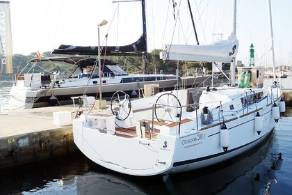 Hire Sailboat BENETEAU OCEANIS 38.1 Split
