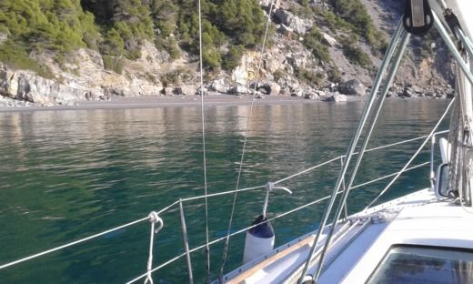 Sailboat Benetteau Oceanis 311 for hire