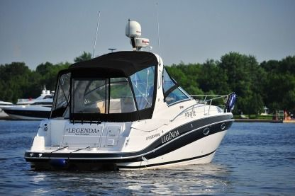 Charter Motorboat Four Winns 318 Carnon