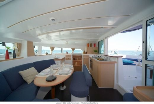 Charter sailboat in Achillio 370 07 peer-to-peer