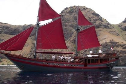 Rental Sailboat Haji Baso Phinisi Ironwood Schooner Komodo