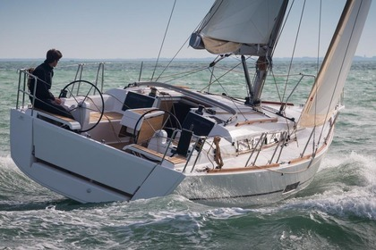 Hire Sailboat Dufour Yachts Dufour 350 Adventure Saint Thomas