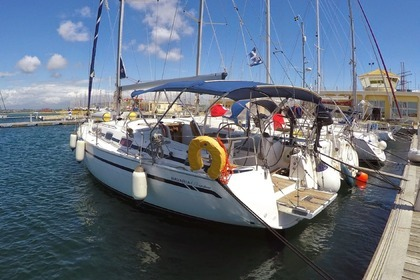 Hire Sailboat BAVARIA 40 CRUISER Alimos Marina