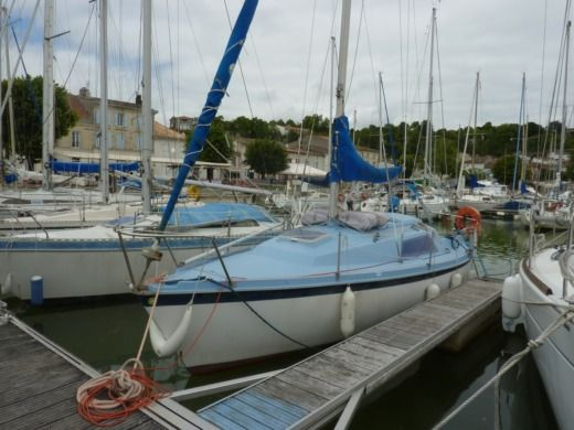 Sailboat Aloa Marine 25 for hire
