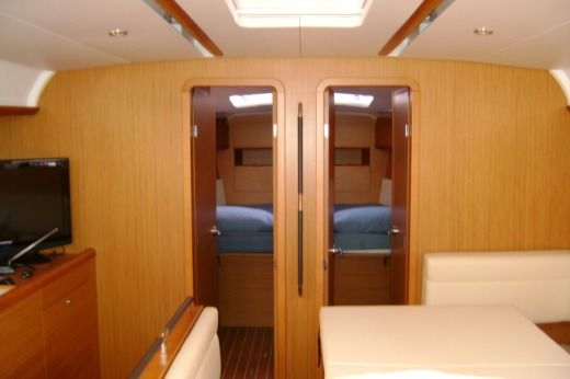 Sailboat Jeanneau Sun Odyssey 49I peer-to-peer