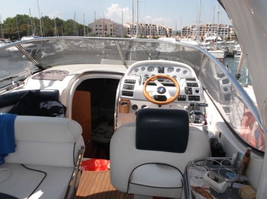 Motorboat Bavaria 300 Sport peer-to-peer