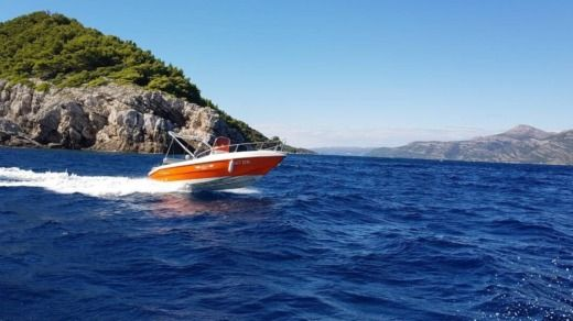 Rental motorboat in Dubrovnik