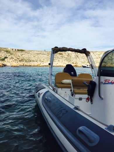 RIB MOTO NAUTICA Vesuviana 700 FASHION peer-to-peer