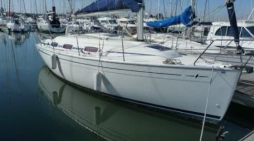 Sailboat Bavaria 30 Cruiser for hire