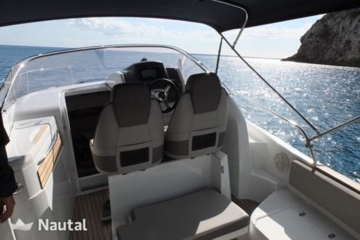 Jeanneau Cap Camarat 8.5 in Cannes peer-to-peer