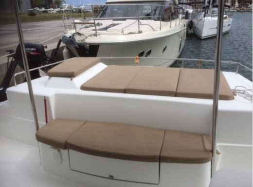 Catamarano Fountaine Pajot Salina 48 tra privati