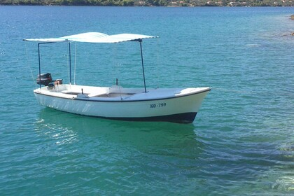Hire Motorboat Traditional Wooden Boat Pasara Vela Luka