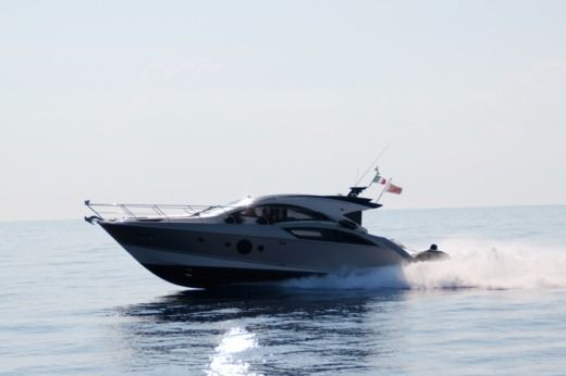 Marquis 420 Sc in Malta for hire